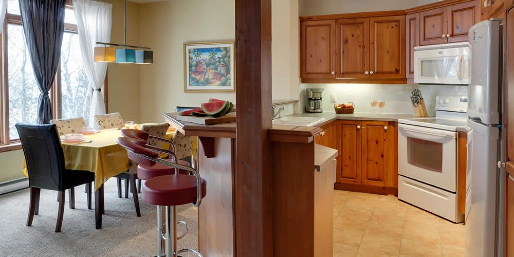 chalets condos et suites louer chalumeau tremblant elysium. Black Bedroom Furniture Sets. Home Design Ideas